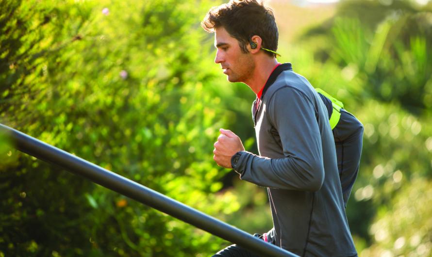 Лучшие наушники для бега: ТОП-6 рейтинг 2020 года