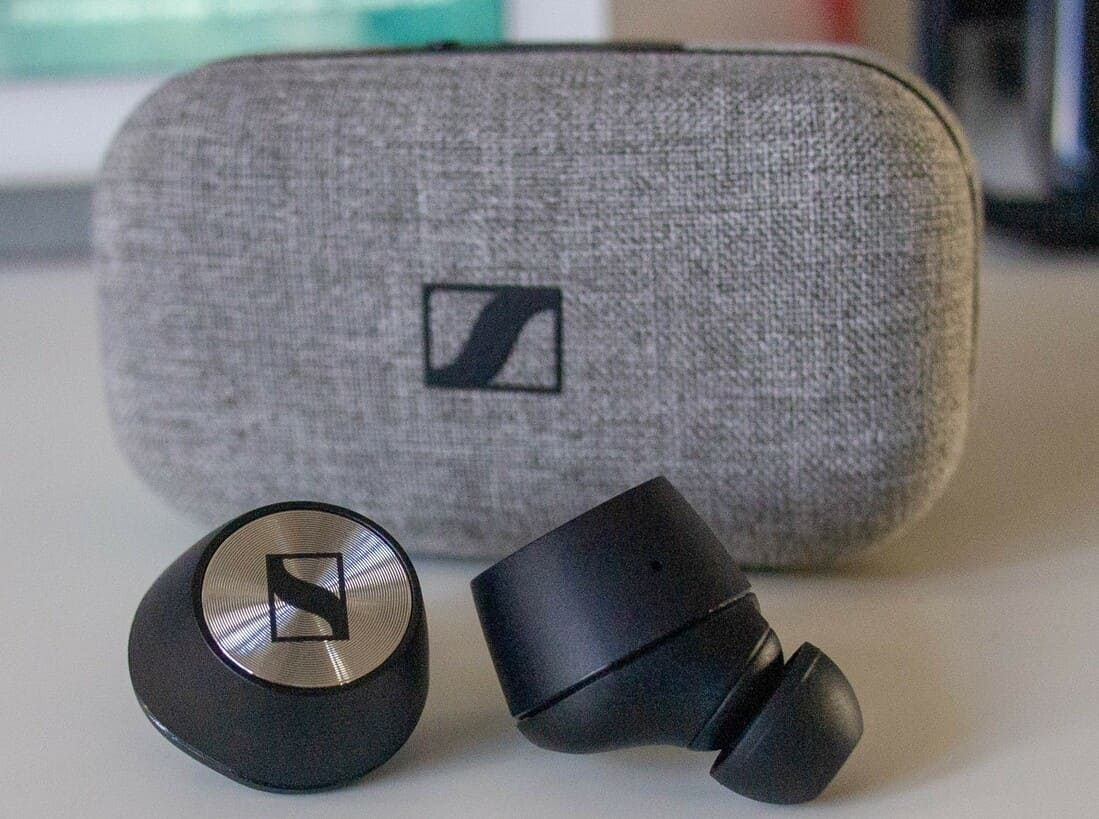 Кейс Sennheiser Momentum True Wireless 2