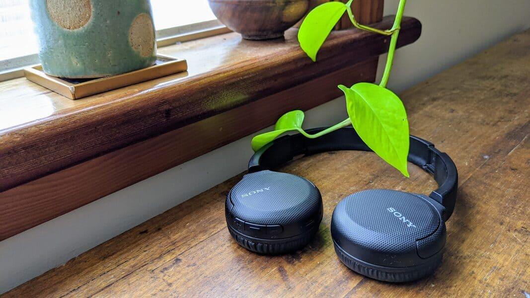 лучшие недорогие наушники Sony WH-CH510
