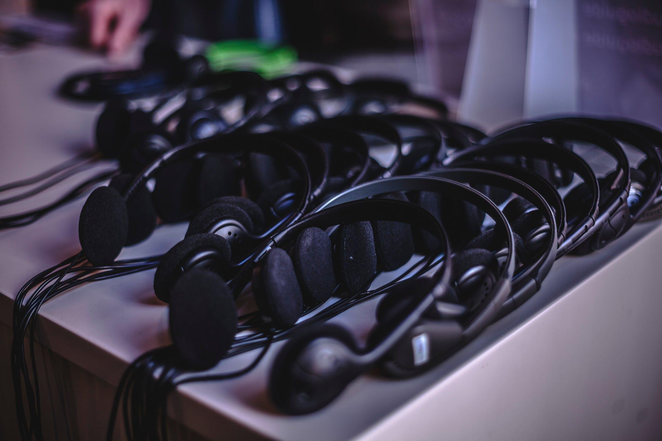 Лучшие наушники для телефона до 100$ — ТОП-5 от Earphones-Review🎧