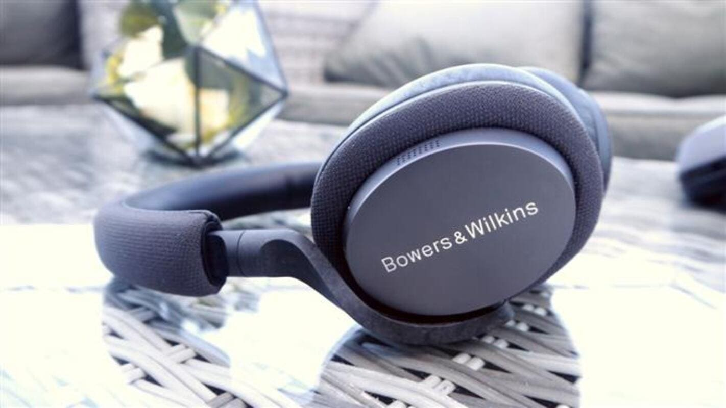 лучшие наушники с шумоподавлением Bowers & Wilkins PX7