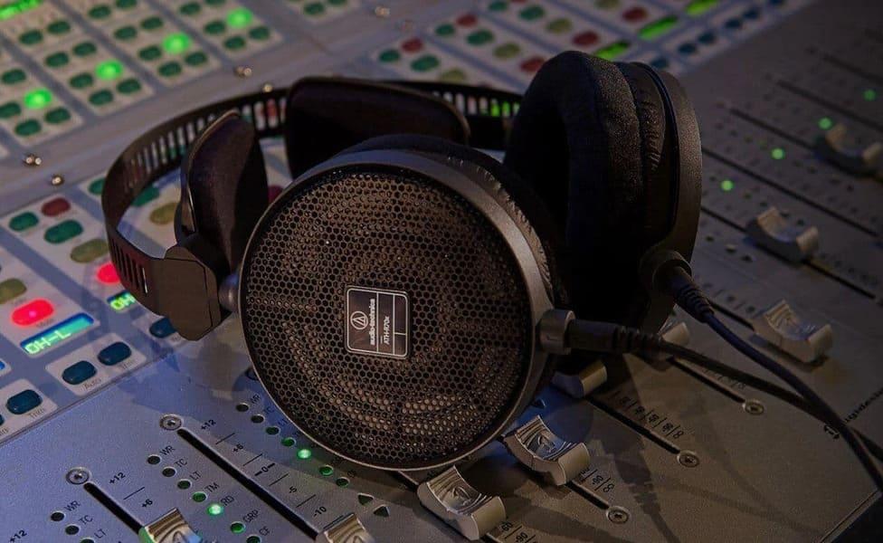 лучшие мониторные наушники Audio-Technica ATH-R70x