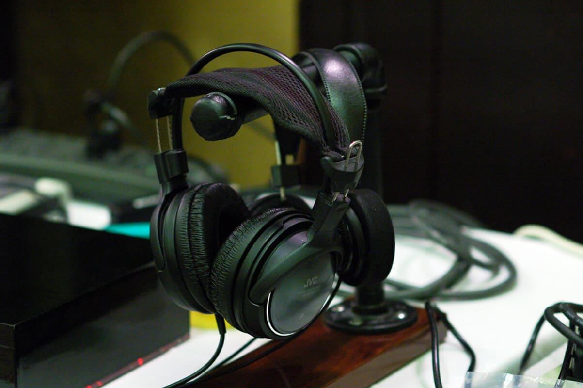 Лучшие мониторные наушники JVC HA-RX700