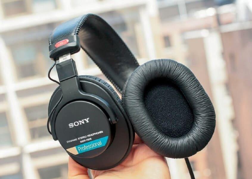 лучшие мониторные наушники Sony MDR-7506