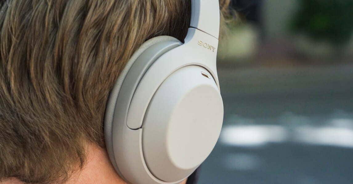 лучшие блютуз наушники Sony WH-1000XM4