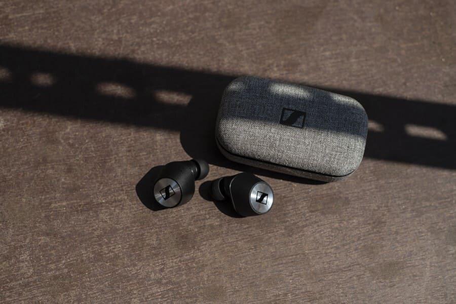Лучшие наушники для iPhone Sennheiser Momentum True Wireless 2
