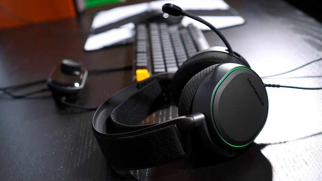 Наушники с хорошим микрофоном SteelSeries Arctis Pro USB